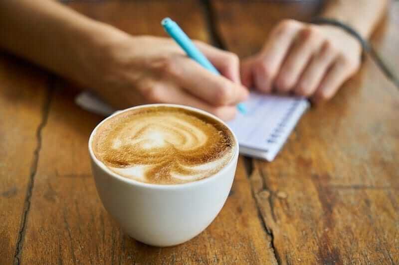 một ly cà phê cũng mang lại một câu chuyện hay